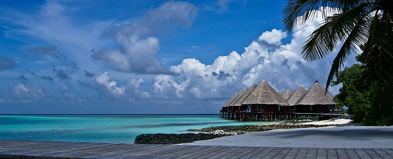 malediven connoisseur circle destinationen im check. Black Bedroom Furniture Sets. Home Design Ideas